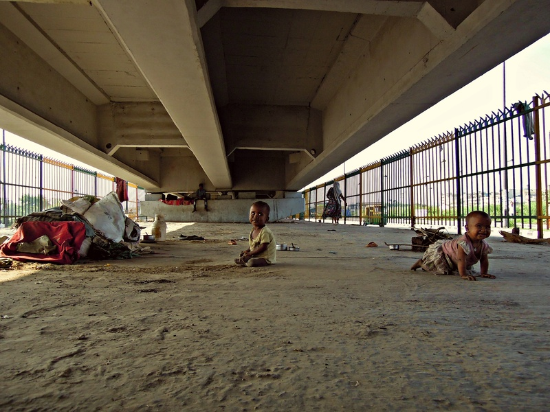 16 Homeless babies under the flyover their mother calls home